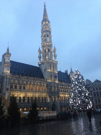 Le Grand Place is noticeably empty during the holiday seaosn